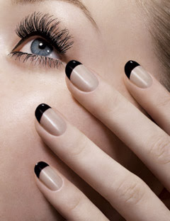 Apply_the_Top_Coat_for_French_Manicure
